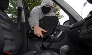 القبض على لص متخصص بسرقة حقائب