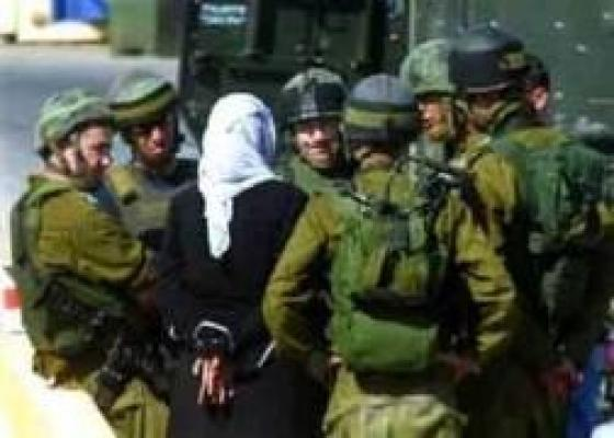 الاحتلال يعتقل فتيات فلسطينيات1