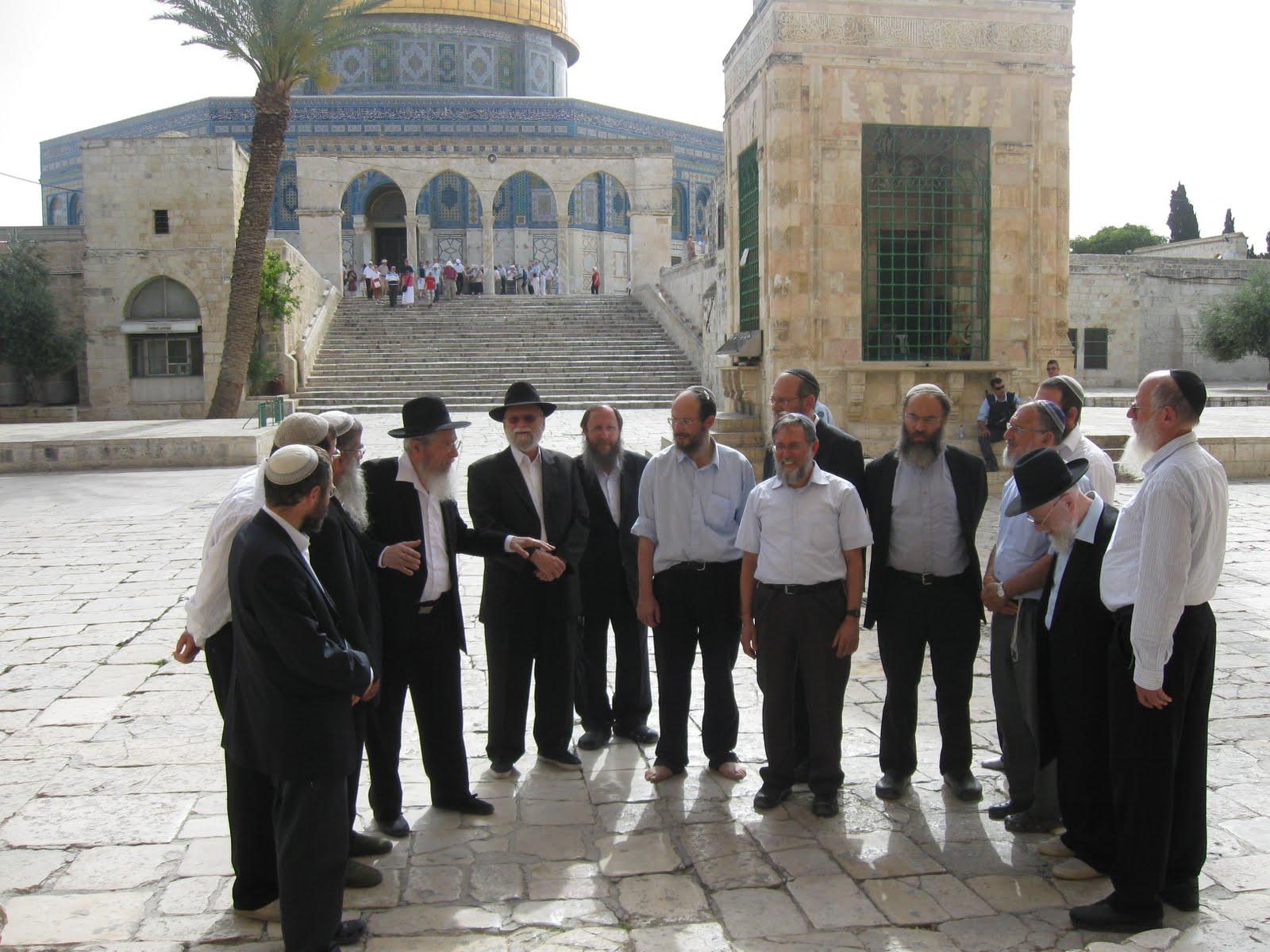 عضو كنيست اسرائيلي يقتحم الاقصى
