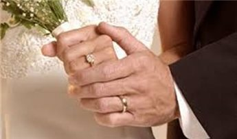 امريكي يتزوج ابنته