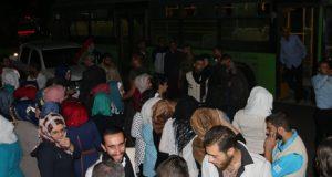 الوضع الانساني في حلب خروج 48 من المدنيين المحاصرين من قبل العصابات الارهابية المسلحة